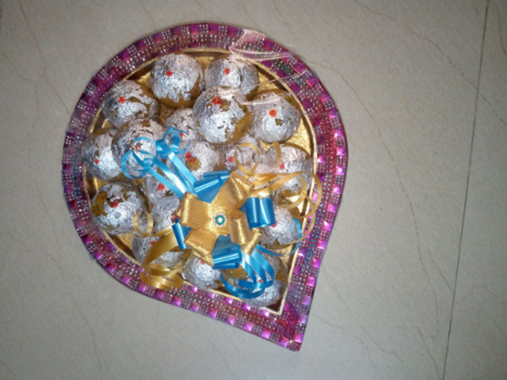 SWEETS PACKING TRAY