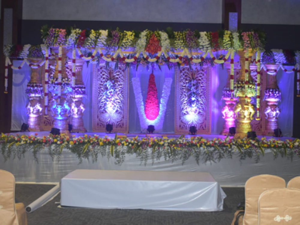 Traditional wedding set for marriage